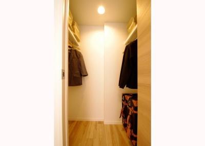 洋室 (照明がアクセントの温かみのあるお家)