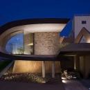 H邸の写真 個性的な外観-ライトアップ