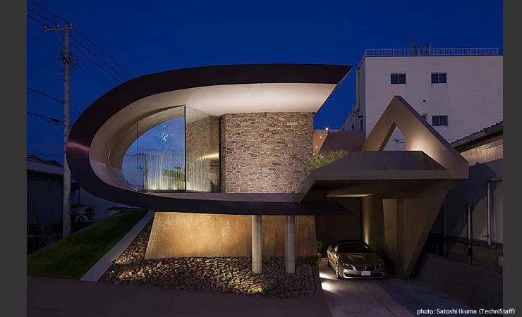 H邸の部屋 個性的な外観-ライトアップ
