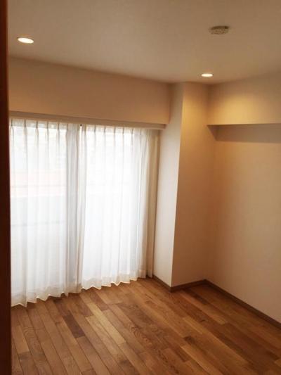 洋室 (高級ロッジのような上質で温もり豊かな住空間)