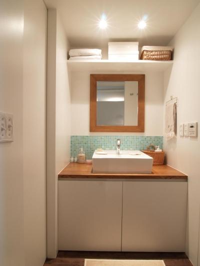 洗面所 (ritmico-シンプルな白基調に、西海岸の風を)