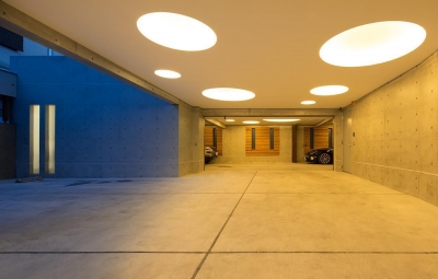 駐車場 (Y9-house 「空中の造形」)