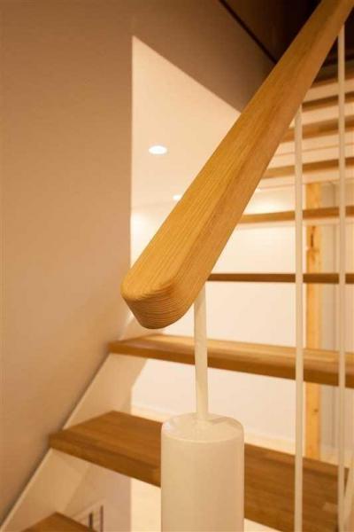 春日丘の家リノベーション (階段03)