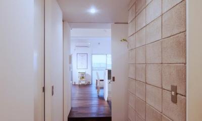 LINDEN-築26年ショップのような住居兼仕事場 (廊下)