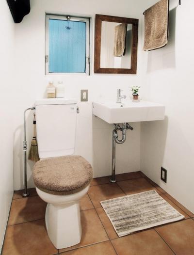 トイレ (LINDEN-築26年ショップのような住居兼仕事場)