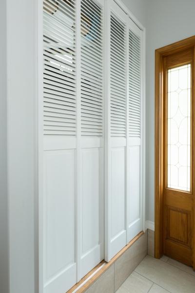 玄関収納 (【2×4】BOW WINDOW)