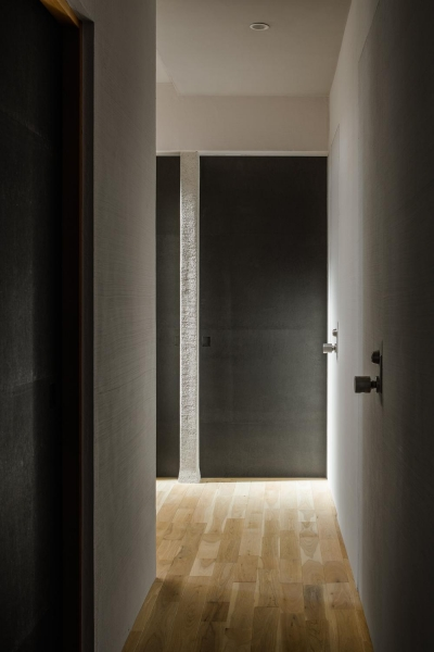 アトリエのある家 HouseNK (廊下)