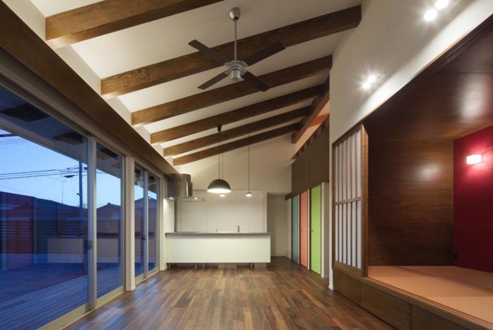 和傘の家 (全体を眺める-open)