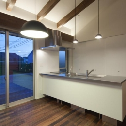 和傘の家-シンプルなキッチン