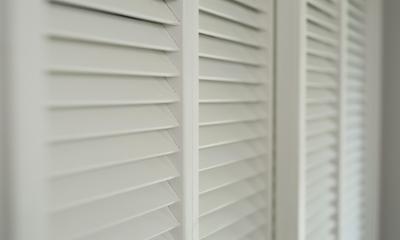 【2×4】BOW WINDOW (ルーバー扉)