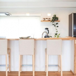 家族構成に合わせたマンションリノベーション (会話を楽しめる対面キッチン)