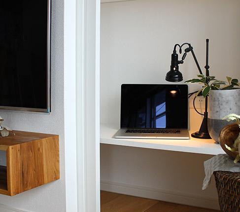 家族構成に合わせたマンションリノベーションの部屋 テレビ裏の隠し収納