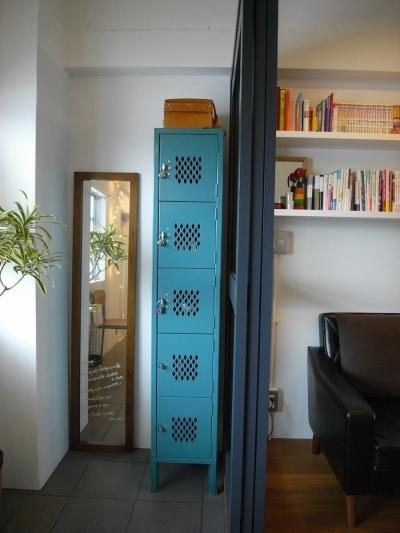 玄関 (tori-「かもめ食堂」と「居酒屋」をひとつに)