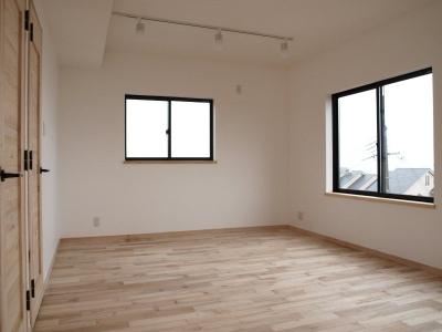 シンプルな洋室 (住吉山手 戸建て)
