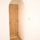 アーチ型のリビングドア
