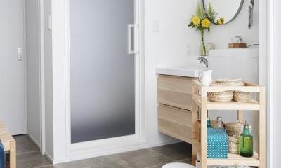 「内側に外をつくる」明確なコンセプトを軸に臨んだ2度目のリノベーション (土間(洗面室))