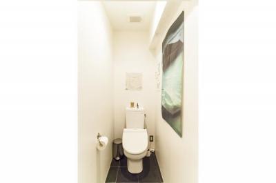 トイレ (M邸-黒板塗装の壁でLDKと遊びスペースに)