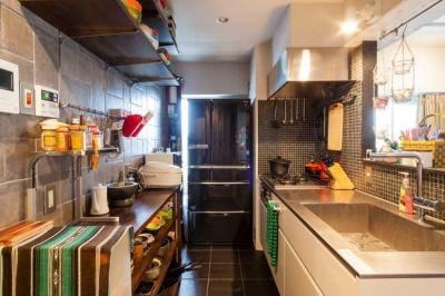 キッチン (A邸-全部取っ払ってワンルームにしてみたら)