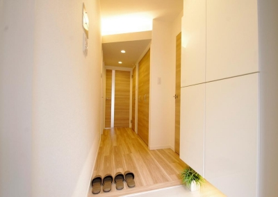 玄関 (動線や暮らしやすさをしっかりと考えた快適な住まい)