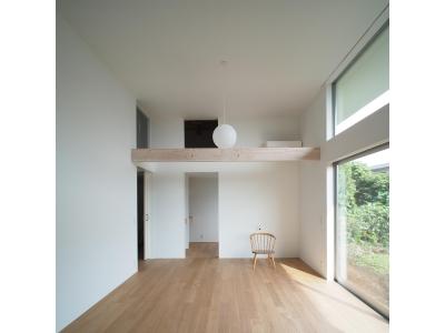 希望ヶ丘の家 (1.5階分の天井高があるLDK)