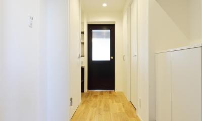 愛猫との暮らしを考えた素敵な空間 (玄関・廊下)