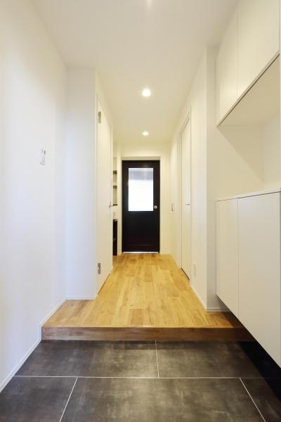 玄関・廊下 (愛猫との暮らしを考えた素敵な空間)