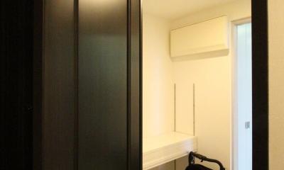 築浅マンション ほんの少しの間取りの工夫で、明るく、便利に! (玄関のシューズクロークを多目的収納に)