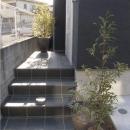 ビール坂の家の写真 アプローチ階段のある玄関
