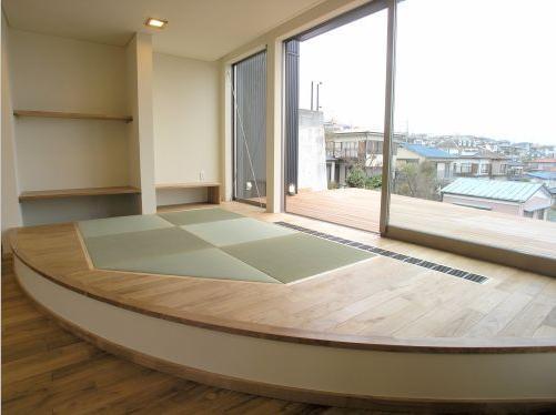 zekkeiハウス (リビングにある小さな畳コーナー)