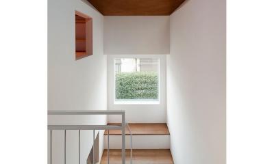 サンチャノヤネ (階段途中の小さな居場所)