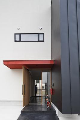 木津川の住宅の写真 通り土間の空間