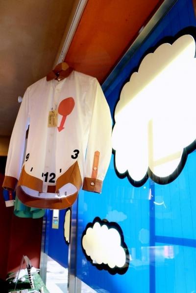 店内 (おもちゃ箱のようなカラフルに彩られた店舗リノベーション空間)