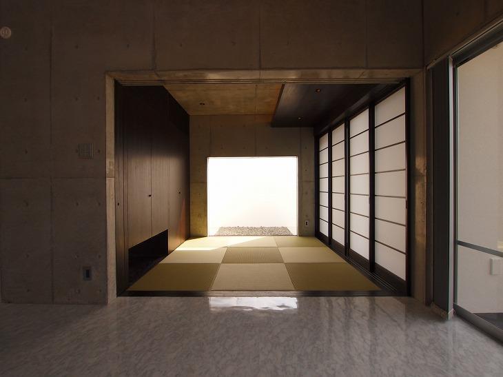糸満の住宅の写真 和モダンな和室
