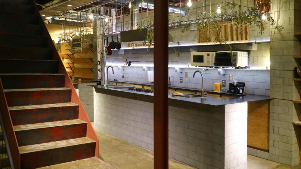 インテリアブックワームカフェ設計事務所「SV. Kitchen」