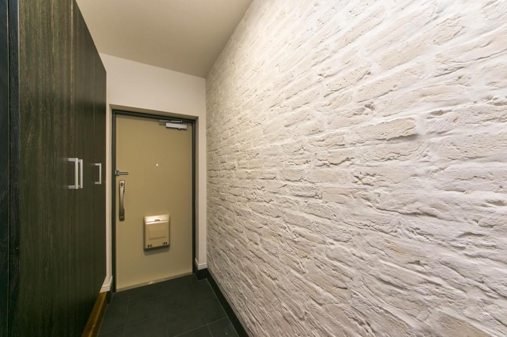 『NYブルックリン』 (玄関)