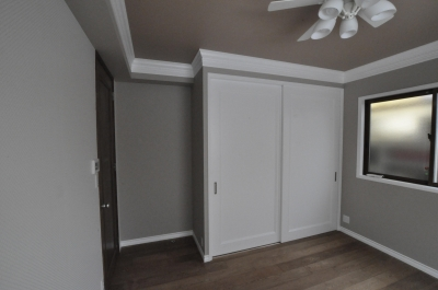 ドアの向こう側の部屋 (エレガントエントランス)