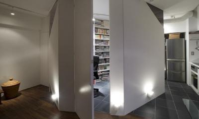 RESONANCE -58m²に、二つの音楽スタジオが (玄関)