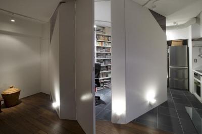 玄関 (RESONANCE -58m²に、二つの音楽スタジオが)