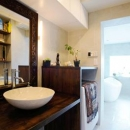 SWITCH -宝塚のマンションリンベーション-の写真 バリ家具のある洗面室