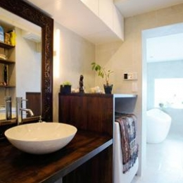 SWITCH -宝塚のマンションリンベーション- (バリ家具のある洗面室)