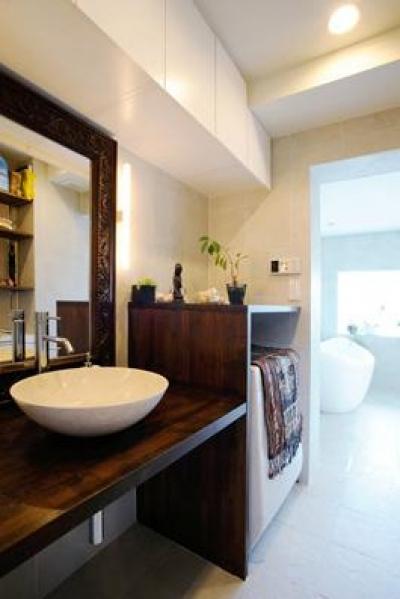 バリ家具のある洗面室 (SWITCH -宝塚のマンションリンベーション-)