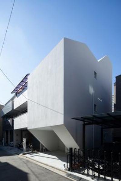 阿倍野の家 (プライバシーを守る造形的な外観)