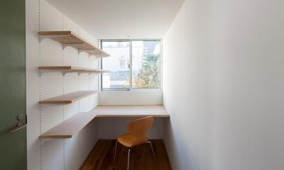 隣の庭を借景する書斎|サンチャノマド