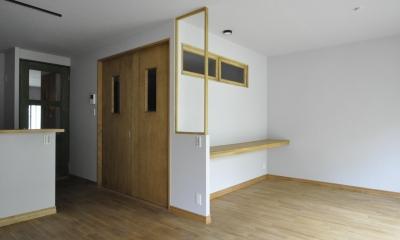バリエブル・リノベーション (ワークスペースと和室の入り口)