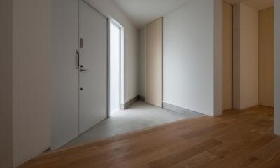 作業スペースにもなる玄関土間|サンチャノマド