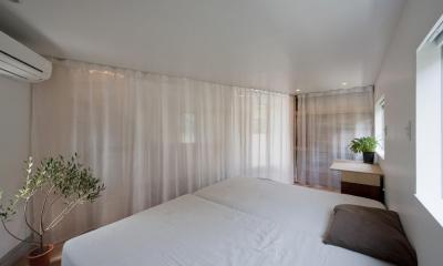堀ノ内の住宅 (室-1カーテン引き)