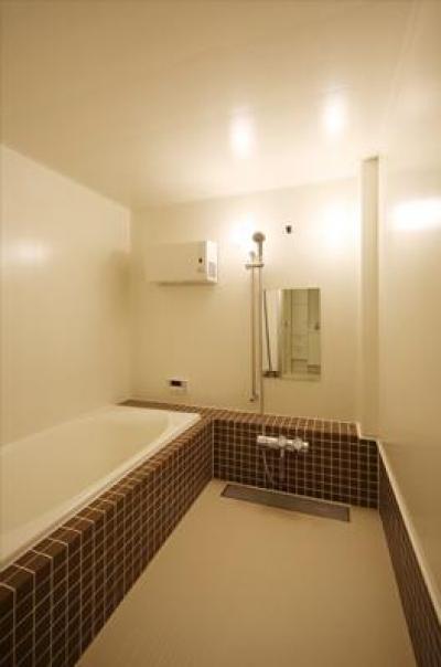 落ち着くバスルーム (豊里のリノベーション)