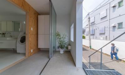 北烏山の住宅 (ポーチと玄関土間)