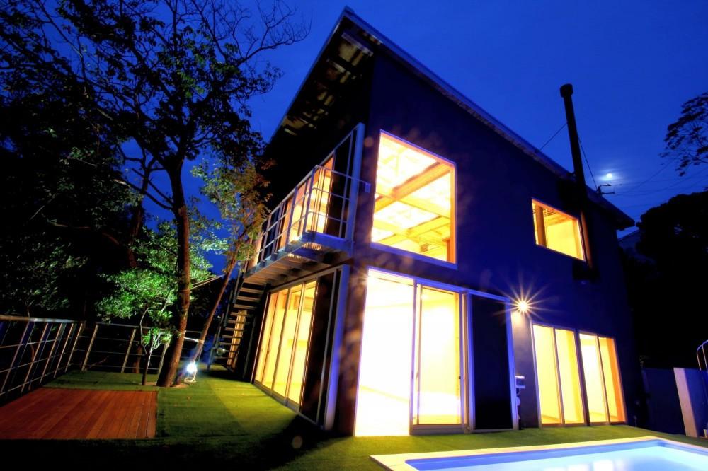 安心という贅沢を。自然エネルギーだけで生活できる家 (外観)