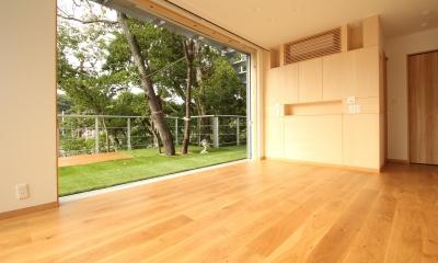 安心という贅沢を。自然エネルギーだけで生活できる家 (風の抜ける主寝室)